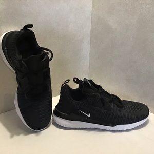 Nike Renee Arena Black/White. Size: 7 NWOB